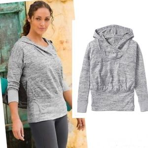ATHELTA Gray Batwing & Robin Hooded Pullover
